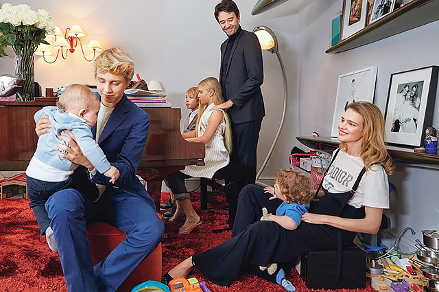 Natalia Vodianova shared a photo with children and Antoine Arnault