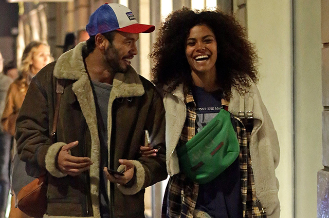 Tina Kunaki has fun in Milan without Vincent Cassel