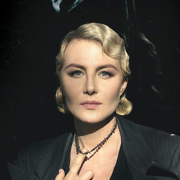 Renata Litvinova boasted of luxurious jewelry with rubies and diamonds