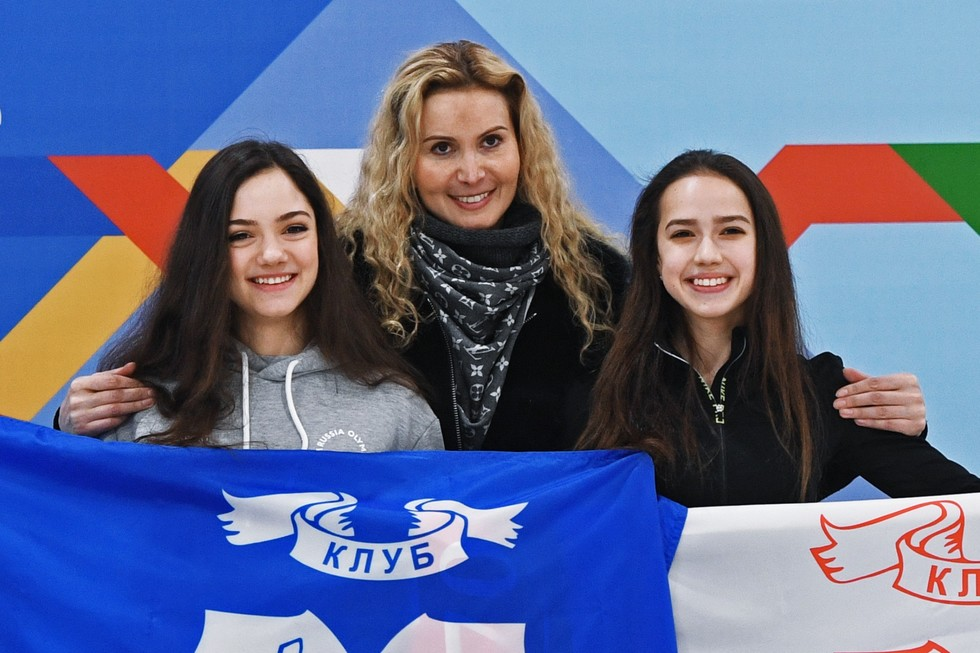 Evgenia Medvedeva, coach Eteri Tutberidze and Alina Zagitova. Photo: © RIA Novosti / Grigory Sysoev