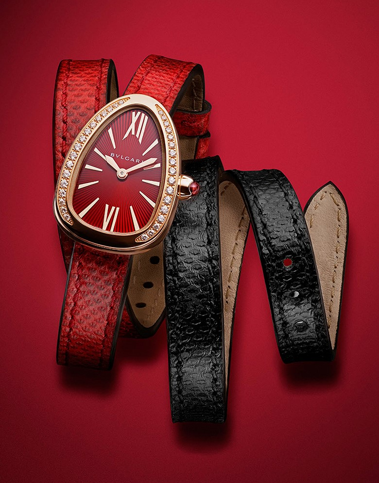 To your taste and color: Bvlgari Serpenti watch