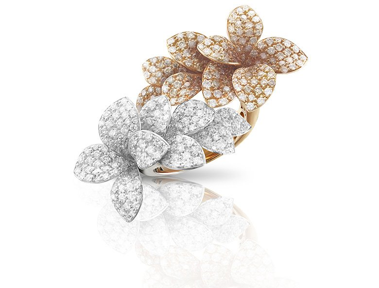 Ring from the collection of Stelle in Fiore by Pasquale Bruni