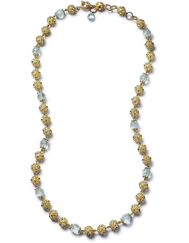 Колье из желтого золота, украшенное шармами из светло-голубых и розовых сапфиров из линии Heritage коллекции Dolce & Gabbana Fine Jewellery