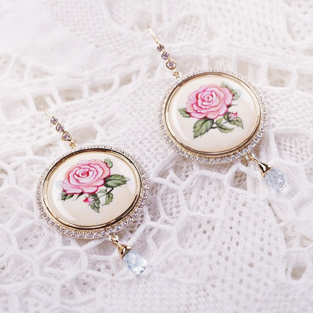 Rose earrings made of gold with diamonds, picteresque enamel amd cirtine