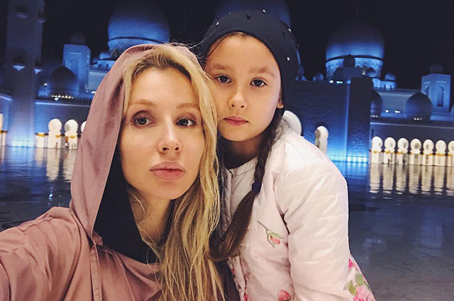 Svetlana Loboda with her daughter Evangelina