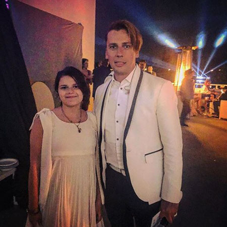 Maxim Galkin with a wedding guest