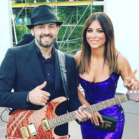 Ani Lorak with musician