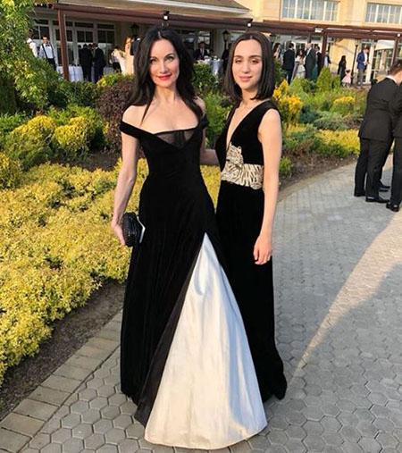 Iset Hajiyeva with her daughter