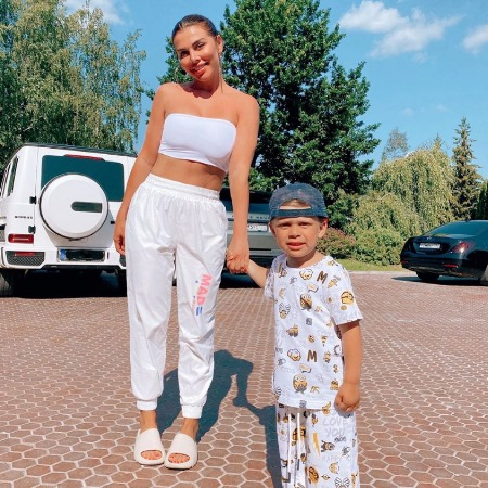 Anna Sedokova with her son Hector