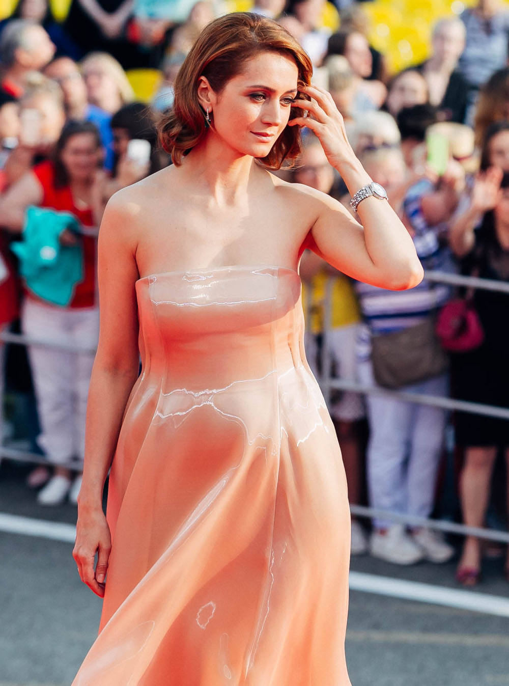 Katerina Shpitsa appeared on the red carpet of the Kinotavr without linen 08.06.2017 41