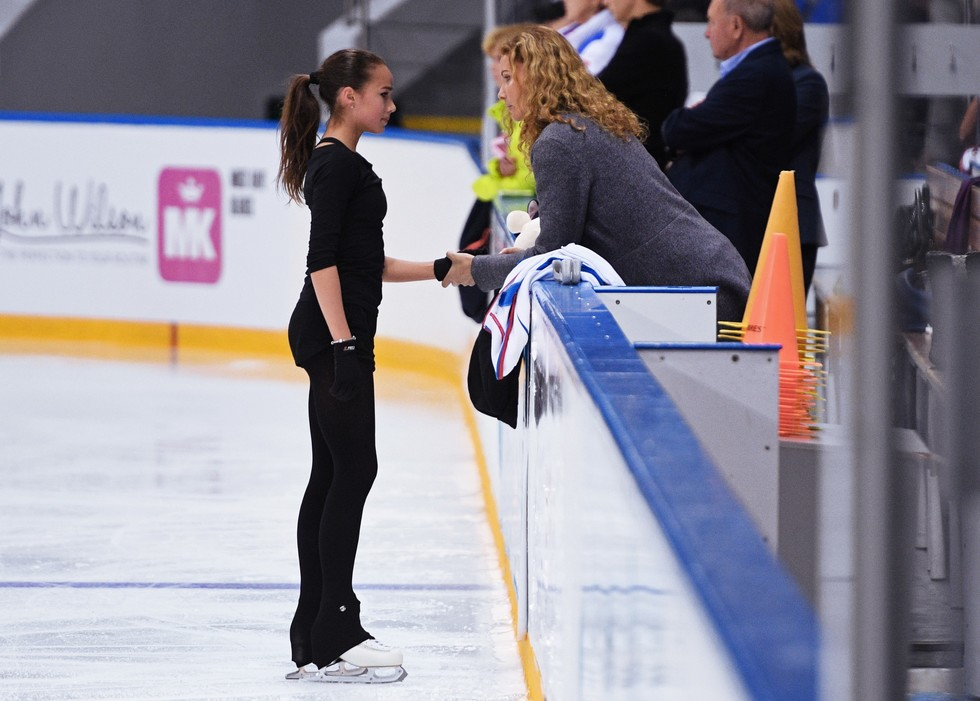 Eteri Tutberidze gives instructions to Alina ZagitovaPhoto: © RIA Novosti / Nina Zotova