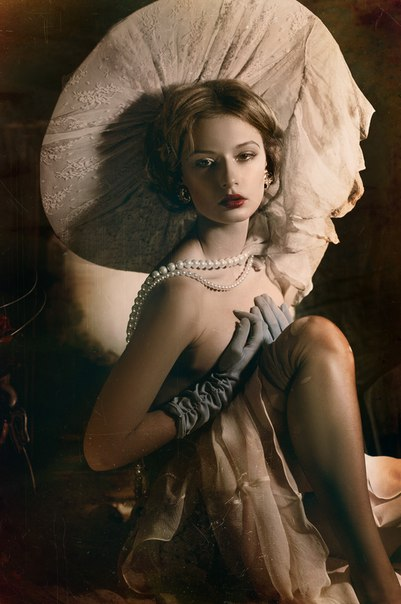 Sensual women's portraits by Yana Strizh