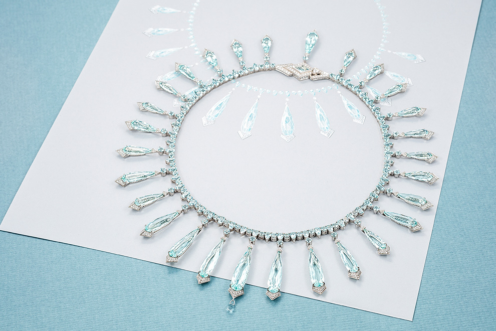 Necklace made of white gold with diamonds and semi-precious stones