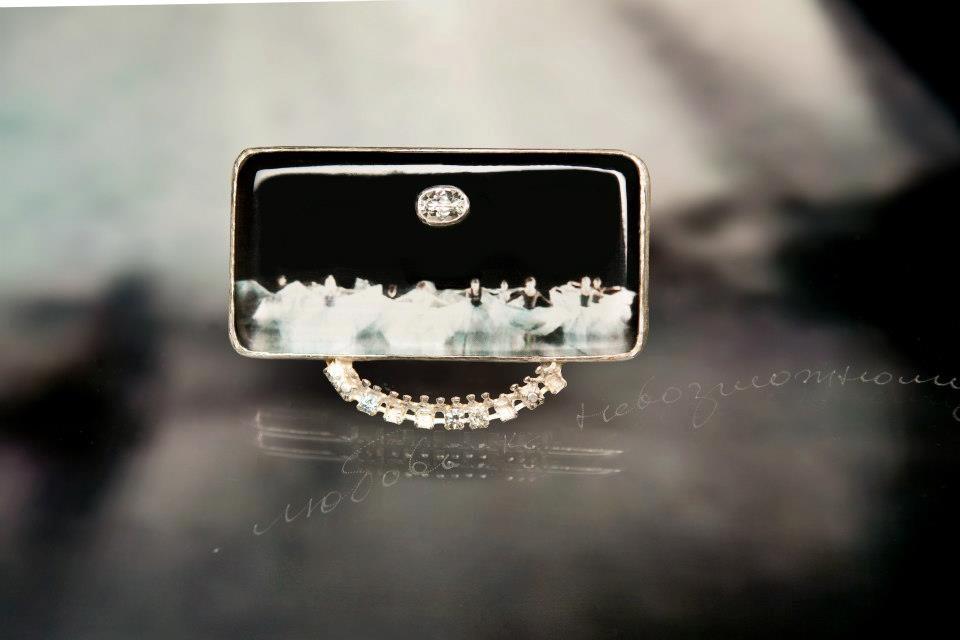 Brooch with topaz, aquamarine, vintage glass, plexiglass, silver  €430.00