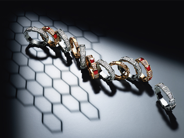 Hypnotic seduction in the form of Bulgari Viper Rings