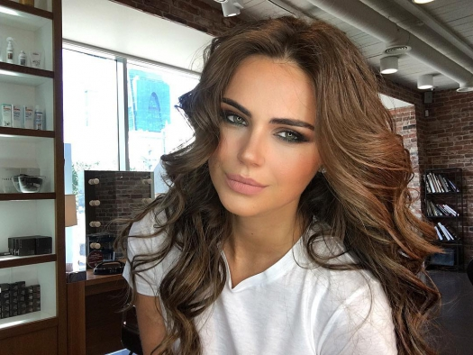 Model Xenia Deli celebrated her 27th anniversary: outfit of a film star and a party with live music