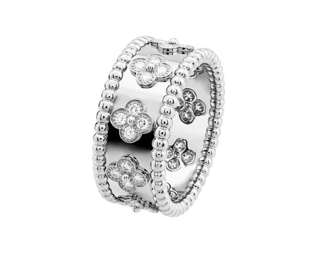 Perlee Clover Ring